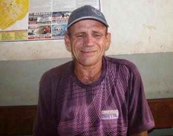 valdeli costa luis 46 anos morador do jacu , mae maria de jesus alves 66 anos,  tentou  bater na mae  apos tomer cachaça