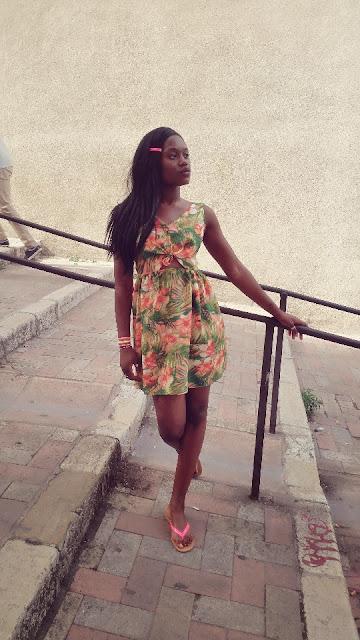 primark, robe à motif, robe à fleur, imprimé floral, tongs fluos, blog mode marseille