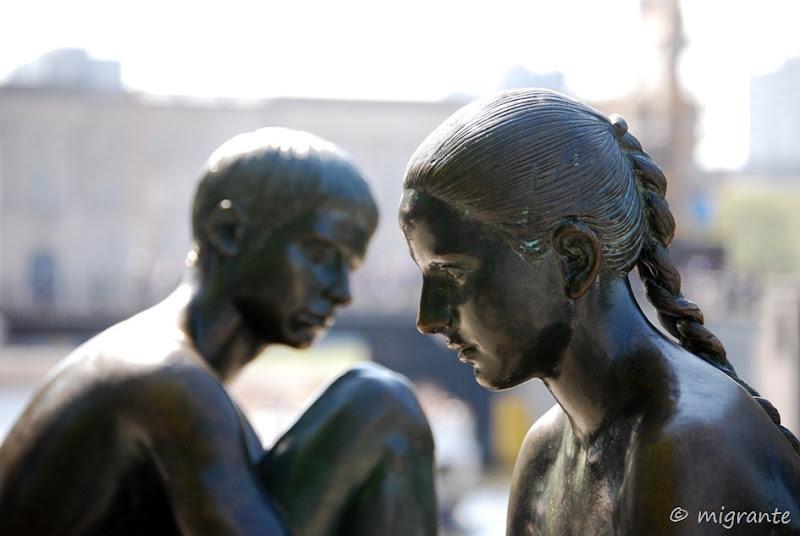 Esculturas en Burgerstrasse (I) -  río Spree - Berlín