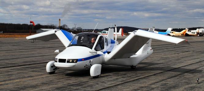 Mobil Terbang Merentangkan Sayap