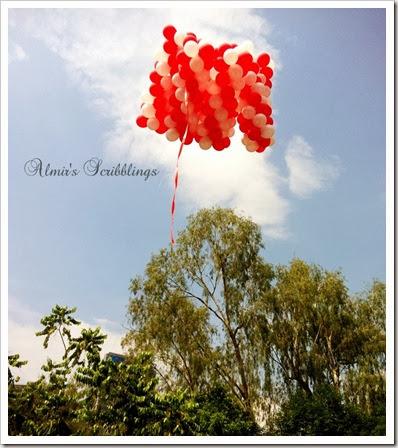 paddle pop legoland balloons