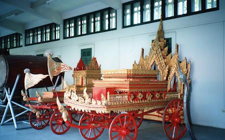 Caleasca Thailanda: palatul Vimanmek