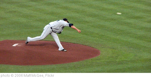 'Felix Hernandez throws' photo (c) 2006, Matt McGee - license: http://creativecommons.org/licenses/by-nd/2.0/