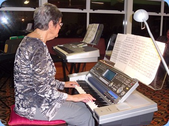 Ann Izzillo, a past President of the Club, came all the way from Rotorua to play for us on her superb Technics KN7000 keyboard