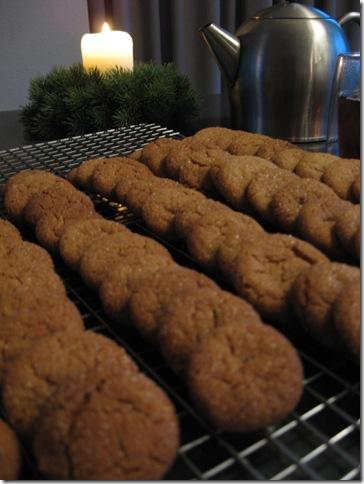 Ginger crackles the batch
