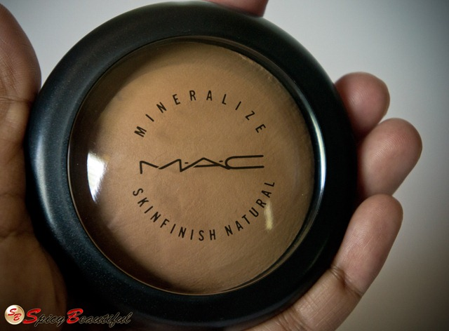 MAC-Mineralize-Skinfinish-Natural-Packaging