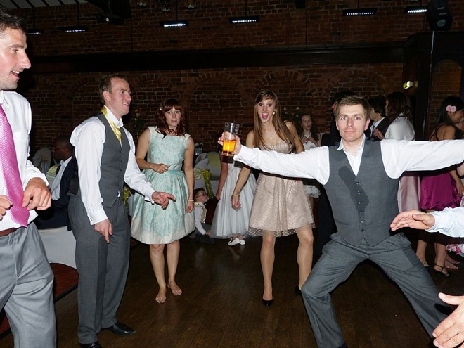 Танцы в разгаре