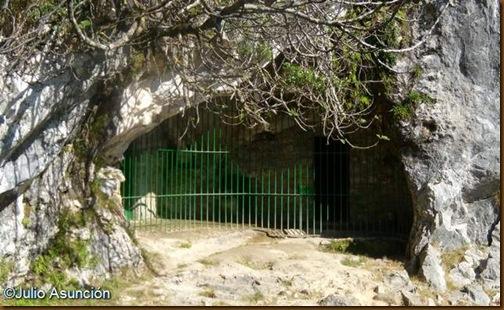 Cueva de Covalanas - Ramales de la Victoria