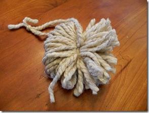 Pom Pillow Yarn Pom