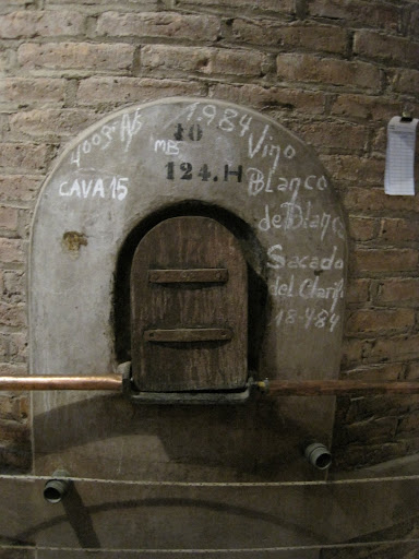 An old cement fermentation tank at Familia Di Tommaso.