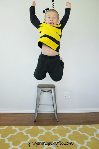 make a bee costume  sc 1 st  Ginger Snap Crafts & Ginger Snap Crafts: No Sew Bee Costume tutorial