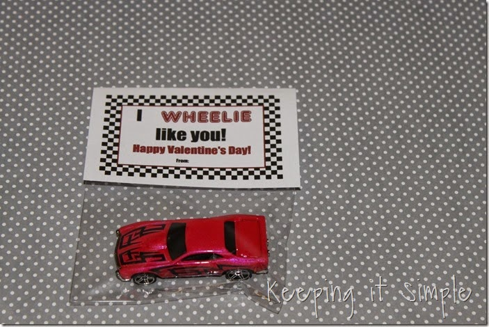 Easy Boys Car Valentines with Free Printable (5)