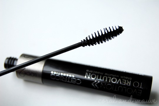 Catrice Evolution To Revolution Mascara Look 1
