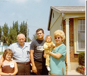 Wendy,GrandpaWeibel,Bill,Tammy,&Grandma Weibelca197108-28-14a