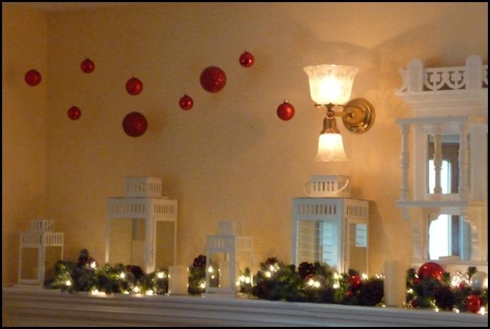 Christmas Balls hanging 009 (800x535)
