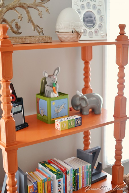 Luc Detail bookcase