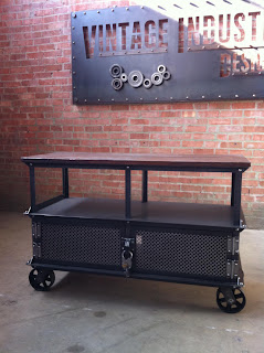 4' Ellis Console with Skeleton Key Padlock