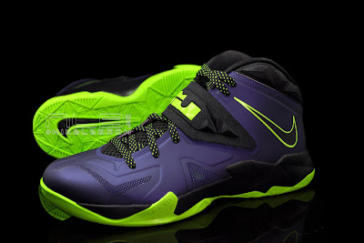 lebrons soldier7 purple volt 43 web black The Showcase: Nike Zoom LeBron Soldier VII JOKER