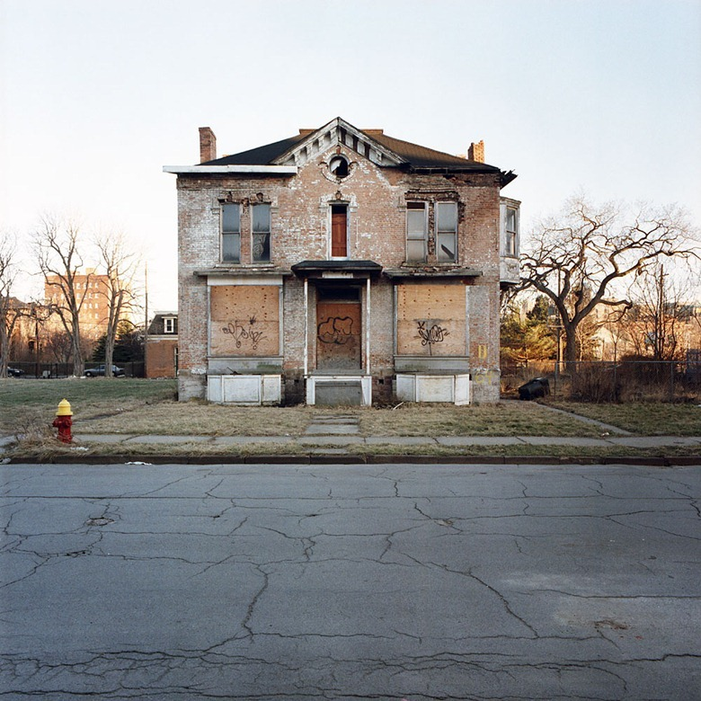 abandoned-detroit-homes5