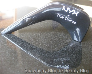 NYX_The_Curve_Liquid_Liner_review (4)