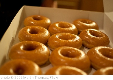 'Krispy Kreme (box 1)' photo (c) 2009, Martin Thomas - license: http://creativecommons.org/licenses/by/2.0/