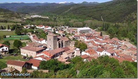 Vista de Burgui desde el cerro del castillo