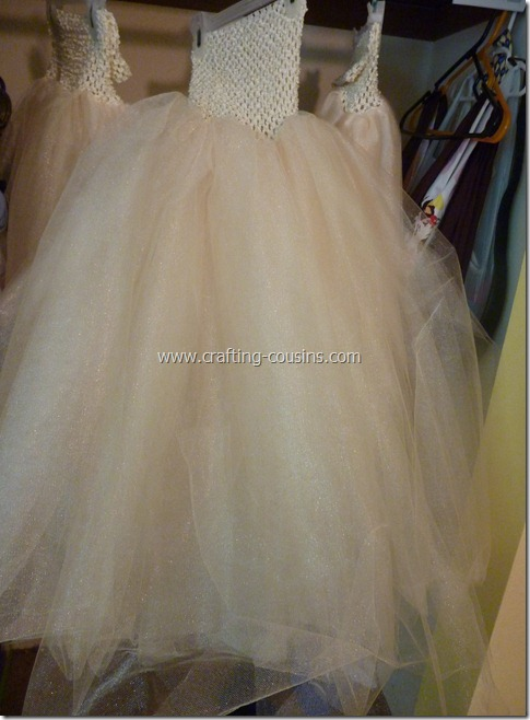 Tulle flower girl dress tutorial from the Crafty Cousins (21)