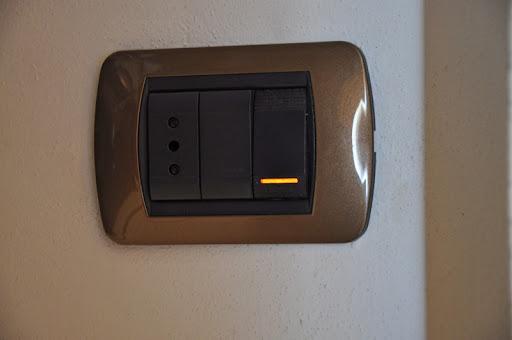 Presa da muro bticino il led ambra di stato non funziona - Citofono per casa prezzi ...