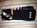 nike basketball elite lebron socks blackwhite 1 01 Matching Nike Basketball Elite Socks for LeBron 9 Miami Vice