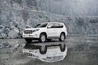 2014-Toyota-Land-Cruiser-Prado-20.jpg