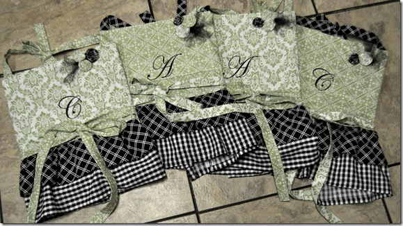 APRONS4