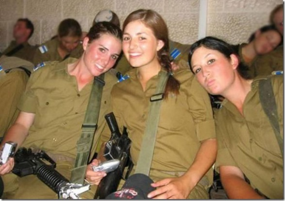 hottest-female-soldiers-13