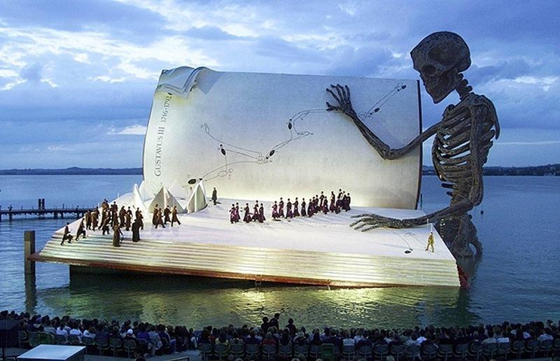 1999-giant-book_1449042i