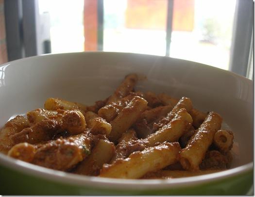 pasta pesto rosso pomodori secchi nocciole rucola