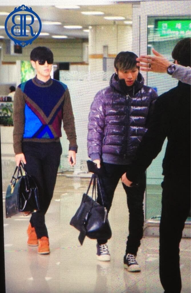 Big Bang - Gimpo Airport - 02dec2013 - Fan - BB Rhythm - 05.jpg