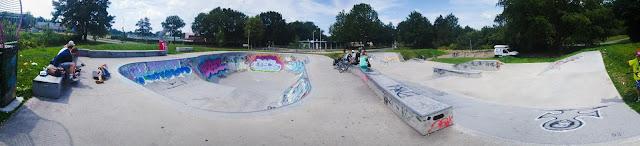 De beste bowl van Nederland staat in Steenwijk. Wat een goed skatepark is dit.