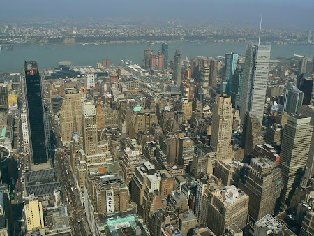07. Sus, pe Empire State Building.JPG