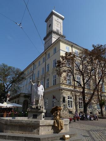 Obiective turistice Lvov: turnul Primariei