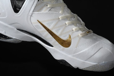 nike lebron 9 ps elite white gold home 9 13 kenlu LeBron 9 P.S. Elite White/Gold (Home) & Black/Gold (Away)
