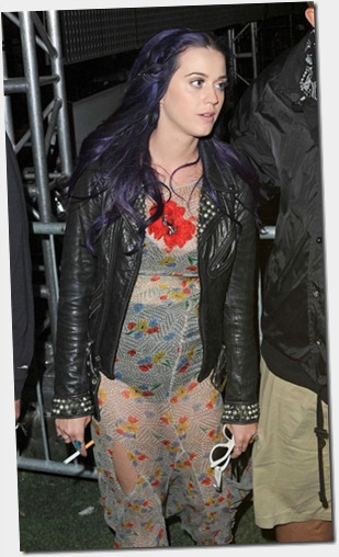 Pop princess Katy Perry seen looking little 7CDKUhNApYTl