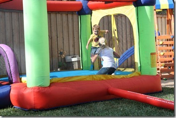 bouncy house 002