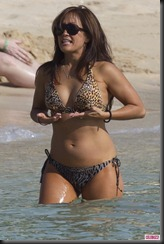 Carrie-Ann-Inaba-Bikini-Hawaii-1-682x1024