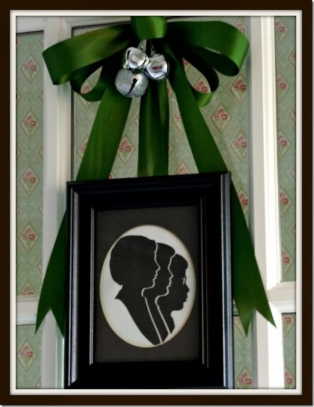 Ribbit Boys Silhouettes on Door Christmas 2013 015 (615x800)