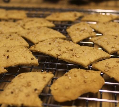 sourdough-spelt-millet-crackers_118