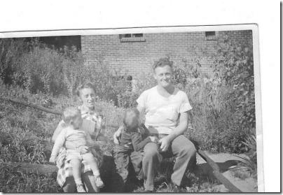 Thomas, Gerda, Claudia, Tommy Dowd 1951 001