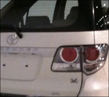 Imagens inéditas da Toyota Hilux e do Hilux SW4 reestilizados