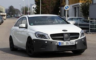 Mercedes-Benz-A25-AMG