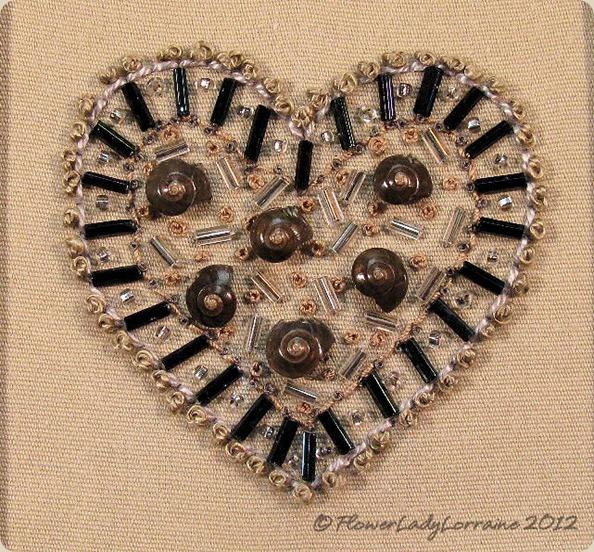 11-06-heart-grey-black2