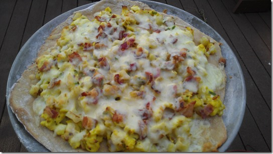 clean breakfast pizza