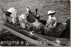 Durrës. Mbërritja e Princit të  Vidid . Me shpinë  Esat Pash Toptani